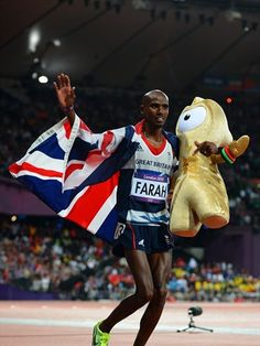 Mo Farah of Great Britain celebrates winning gold in the Men's 10,000m final on Day 8 of the London 2012 Olympic Games at Olympic Stadium