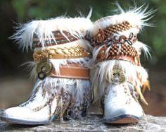 Personalizada boda botas gitana botas Festival por TheLookFactory Rose Vintage, Vintage Gypsy, Vintage Fur, Upcycled Vintage, Vintage Cowgirl, Vintage Boots, Vintage Black, Boots Boho, Gypsy Boots