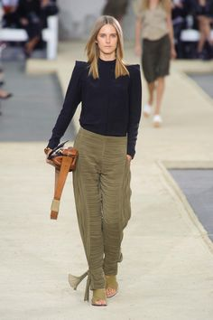 Chloé at Paris Fashion Week Spring 2014 - StyleBistro