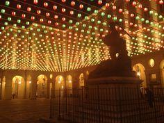 Piazza Palazzo di Città illuminata dalle Luci d'Artista. #Torino