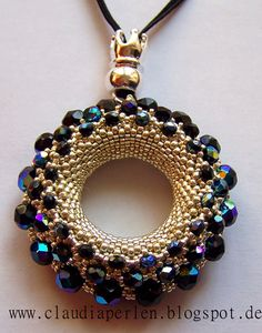 Alle meine Perlen-Pattern from Petra Tismer - Beaded Jewelry Designs, Seed Bead Jewelry, Bead Jewellery, Handmade Jewelry, Seed Bead Necklace, Bead Embroidery Jewelry, Beaded Embroidery, Beaded Earrings, Beaded Bracelets