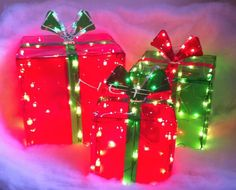 CHRISTMAS LIGHTED GIFT BOXES SET OF 3 HOLIDAY DECOR GREEN & RED IN OR OUTDOOR