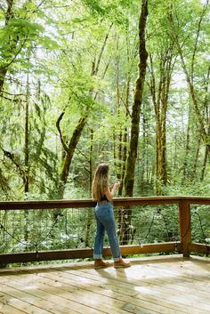 Awesome Things to do in Mount Hood Oregon | For a Weekend Ready to escape the summer heat for the cool Pacific Northwest forest? Mount Hood is the perfect place to do just that! From easy Portland day trips to long weekend vacations, there is plenty of adventure to be had here! #oregon #Mounthood #PNW #pacificnorthwest Oregon Coast Hikes, Oregon Road Trip, Ramona Falls, Trillium Lake, Adventurous Things To Do, Oregon Waterfalls, Weekend Vacations, Multnomah Falls, Mount Hood