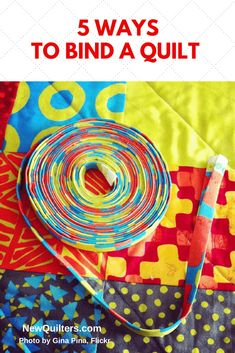 There's more than one way to finish the outer edges of a quilt. This article introduces five different ways to finish a quilt, including double-folded binding, the Quilting For Beginners, Quilting Tutorials, Quilting Projects, Sewing Projects, Quilting Tips, Sewing Ideas, Beginner Quilting, Modern Quilting, Quilting Fabric