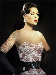Season 3 Raja Gemini (Sutan Amrull) - I didn't get it at first, but it's undeniably clear why she was crowned. I mean, look at huh! Plus, I've grown to love her more through Wow Presents Fashion Photo RuView and Raja Drawja! Drag Queens, Pretty People, Beautiful People, Raja Gemini, Rupaul Drag, Boys Like, Up Girl, Drag Racing, Pin Up
