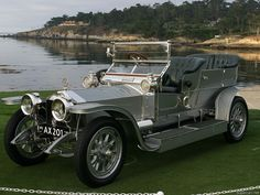 Classic rolls royce -Silver Ghost one of the most expensive cars in the world Cars Vintage, Retro Cars, Antique Cars, Voiture Rolls Royce, Rolls Royce Cars, Old Rolls Royce, Buick, Dream Cars, Classic Rolls Royce