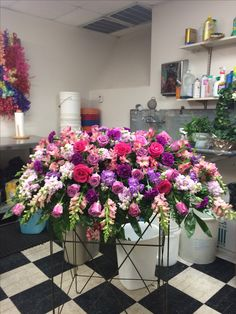 A casket spray Casket Flowers, Grave Flowers, Cemetery Flowers, Funeral Flowers, Funeral Floral Arrangements, Large Flower Arrangements, Funeral Caskets, Cemetery Decorations, Wedding Decorations