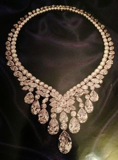 Ivresse Diamond Necklace - by Cartier - 190.77 cttw - the largest pear-cut diamonds (D, VVS2,  IIa) 10.25 ct, 12.04 ct, and 20.38 ct - $7.2 million at auction