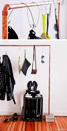 Colgador de ropa con tuberías de cobre - Clothing rack made of copper tubing