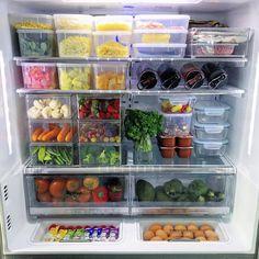Kitchen Organization Pantry, Home Organisation, Diy Kitchen Storage, Kitchen Pantry, Kitchen Items, Home Decor Kitchen, Room Organization, Fridge Storage, Refrigerator Organization