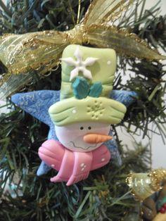 Adorno para el Arbol de Navidad Polymer Clay Christmas, Diy Christmas Ornaments, Christmas Projects, Holiday Crafts, Christmas Decorations, Homemade Polymer Clay, Fimo Clay, Polymer Clay Projects, Clay Crafts
