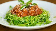 Espaguete de Abobrinha :: Receita fácil e rápida tem poucas calorias e garante sensação de saciedade                                                                                                                                                                                 Mais