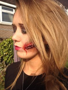 Knife wound special effects - The Great Gatsby makeup on model