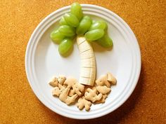 6-Second Snacks for Kids. Make after-school easy. #backtoschool http://www.ivillage.com/snacks-kids-easy-healthy-ideas/3-a-534085