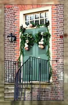Living In Williamsburg, Virginia: Knitting Lover's Wreath, Colonial Williamsburg, Williamsburg, Virginia
