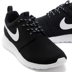 Black Nike Roshes Womens Black Nike Roshes! Size 8.5! Brand new Nike Shoes Clothing, Shoes & Jewelry : Women : Shoes amzn.to/2kHQg0c
