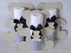 More and more crafts: 15 tender ideas for souvenirs or memories of baby shower Baby Shower Favors, Baby Shower Parties, Baby Boy Shower, Baby Shower Gifts, Baby Shawer, Baby Kit, Do It Yourself Baby, Little Presents, Shower Bebe