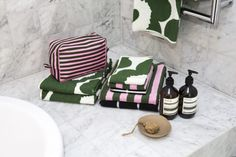 An amazing coastal home is treated to a makeover with Marimekko's spring/summer 2016 collection. Photography by Jacqui Turk. Beach Shack, One Bedroom Apartment, Tropical, Interior Stylist, Marimekko, Coastal Homes, Bath Caddy, Color Splash, Pattern Design