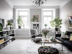The Difference Between Modern Interiors And Traditional Interior Home Design Scandinavian Interior Design, Scandinavian Home, Luxury Interior Design, Interior Design Living Room, Living Room Designs, Living Room Decor, Scandinavian Apartment, Dining Room, Modern Interiors