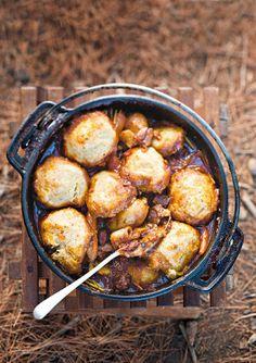Spaar tyd en weeg die bestanddele vir die kluitjies by die huis af. Braai Recipes, Oxtail Recipes, Lamb Recipes, Meat Recipes, Cooking Recipes, Recipies, Campfire Recipes, Curry Recipes, South African Dishes