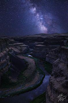 The Milky Way over the Palouse River Canyon, Washington; photo by Alex Noriega