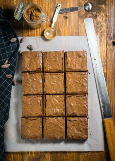 A healthier recipe of the classic brownies with all the taste! Because of the olive oil, they are chewy, moist and melt in your mouth without being too dense and heavy. Greek Cookbook, Melt In Your Mouth, Brownie Bar, Brownie Recipes, Olive Oil, Healthy Recipes, Chocolate, Cakes, Kuchen