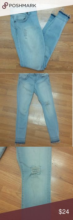 """KUT Frayed Hem Distressed Skinny Jeans - 2P Kut from the Kloth Frayed him light blue distressed skinny jeans in excellent condition.  Style is """"Maya Toothpick Skinny Petite"""" -  size 2. In excellent condition. Kut from the Kloth Jeans Skinny"""