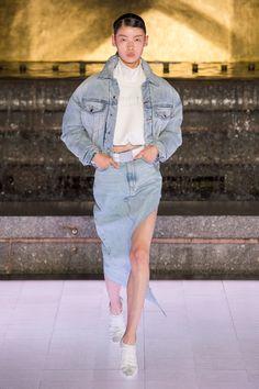 Alexander Wang Spring 2020 Ready-to-Wear Fashion Show - Vogue Fashion Week, Fashion 2020, Fashion Photo, Runway Fashion, High Fashion, Fashion Trends, Daily Fashion, Alexander Wang, Alexander Mcqueen