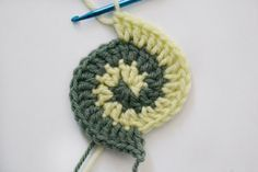 Freeform Crochet Basics: The Two Color Spiral
