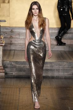 Julien Macdonald - Fall 2016 Ready-to-Wear - #feelingfashion