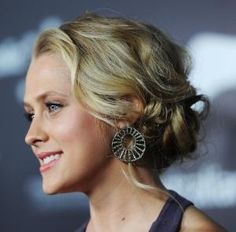 30 Ways to Wear a Messy Updo: Messy Prom Updos: Teresa Palmer