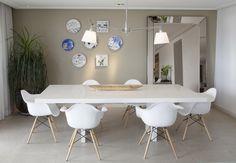A acolhedora casa da idealizadora da loja Dali Casa. Veja mais: http://www.casadevalentina.com.br/blog/materia/a-casa-da-liana.html  #decor #interior #design #decoracao #charm #dining #saladejantar #aconchego #casadevalentina