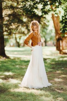 10 perfect wedding dresses from Colorado bridal boutique A & Be. Rue de Sine, Leanne Marshall, Sarah Seven, Katie May and more. Wedding Dress Material, V Neck Wedding Dress, New Wedding Dresses, Perfect Wedding Dress, Bridal Dresses, Flower Girl Dresses, Vogue Wedding, Bridal Separates, Wedding Memorial