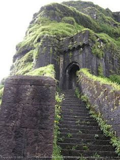 Lohagad Fort – A great historical sightseeing spot
