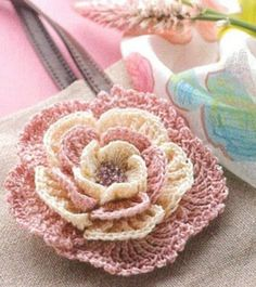 Relasé: Come fare un fiore decorativo all'uncinetto - schema