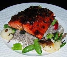 Japanese Glazed Salmon Fillet with Soba&Julienned Vegetables Salmon Recipes, Fish Recipes, Seafood Recipes, Asian Recipes, Great Recipes, Favorite Recipes, Healthy Recipes, Japanese Recipes, Delicious Recipes