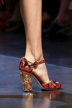 140 лучших пар обуви Недели моды в Милане   Мода   VOGUE