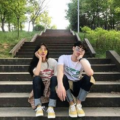 Images and videos of ulzzang couple Mode Ulzzang, Ulzzang Girl, Cute Couples Goals, Couple Goals, Senior Photography, Couple Photography, Couple Aesthetic, Korean Couple, Ulzzang Couple