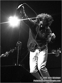 Live concert photo of Pearl Jam - Ed Vedder