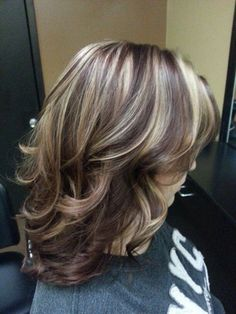 50 Best Gorgeous Lovely Layered Hairstyles Design For Medium Lenth Hair Women 2019 - Page 11 of 52 - Marble Kim Design Medium Lenth Hair, Medium Hair Cuts, Medium Hair Styles, Short Hair Styles, Brunette Hair With Highlights, Brown Blonde Hair, Hair Color Highlights, Blonde Color, Light Highlights