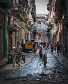 Pedaling the streets of Havana by Jorge Zamanillo on 500px  I'd so love to go back