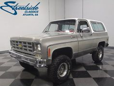 1976 Blazer Chalet of 1700 made. New GM 350 performance crate 300 HP and torque. The truck has about 2000 sine the new engine and drive train installed and runs on regular unleaded. 4x4 Trucks, Lifted Trucks, Cool Trucks, Chevy Blazer K5, K5 Blazer, Classic Trucks, Classic Cars, Crate Motors, New Engine