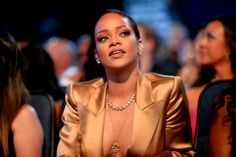 2015 BET Awards - Backstage & Audience - - Rihanna Daily Photo Gallery - Source for Miss Rihanna Rihanna Money, Rihanna Daily, Beyonce Nicki Minaj, Jennifer Lawrence Photos, Celebrity Scandal, Celebrity Style, Leslie Jones, Bet Awards, Star Show