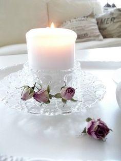 Stilleben - Crystal and roses  #inredning #romantiskt #rosor