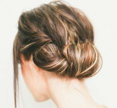Messy Hairstyle with A Casual Roll