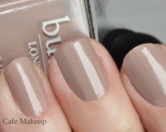 Butter London Yummy Mummy (steal = Revlon Grey Suede) // neutral for medium skin tones Get Nails, Fancy Nails, How To Do Nails, Pretty Nails, Hair And Nails, Butter London Yummy Mummy, Cafe Makeup, Butter London Nail Polish, London Nails