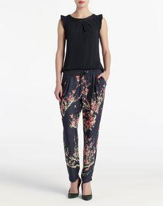 Pantalón tipo pijama de Elogy Harem Pants, Pajama Pants, New Pant, Pajamas, Random, My Style, Fashion, Vestidos, Black Chinos