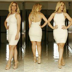 Estou apaixonada por esse Vestido. Já quero um pra mim. 😍😍😍 .  Vestido Flat Bordado : 359,90 (P e M)   .  Vendas Loja Física e Site : www.santollo.com.br  .  DÚVIDAS ❔Ligue para 👉☎Comercial (34) 33166586 📲WhatsApp (34) 988112985 (Sandra) 📲WhatsApp (34) 997723030 (Dani) 🚚Enviamos para todo Brasil