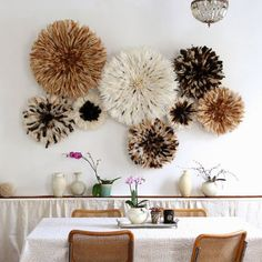 20 Ways to Decorate with African Juju Hats - Feather Headdresses - Interior Design - Natural Juju Hat Installation in a Dining Room Diy Interior, Interior Design, African Interior, Juju Hat, Bedroom Decor, Wall Decor, Wall Art, Deco Boheme, Home Decor Inspiration