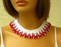 Knitted scalloped necklace collar with magnetic by KnitterPrincess, $36.00